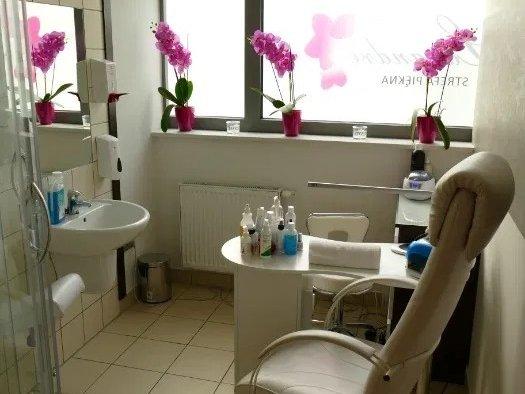 2 pomieszczenia w gabinecie kosmetologicznym (Aquapark Kalisz)