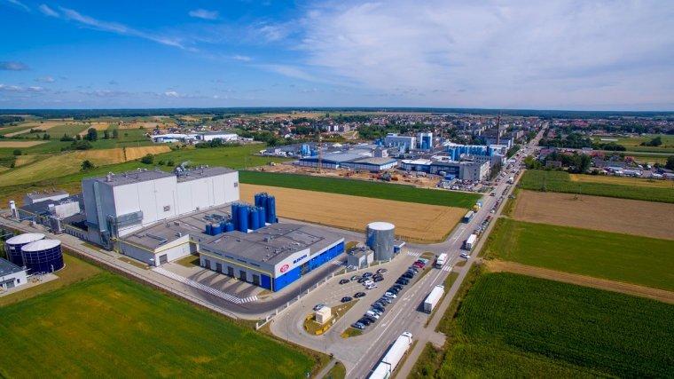 Trzy zakłady centrali Grupy Mlekovita - widok od strony Fabryki Proszków...