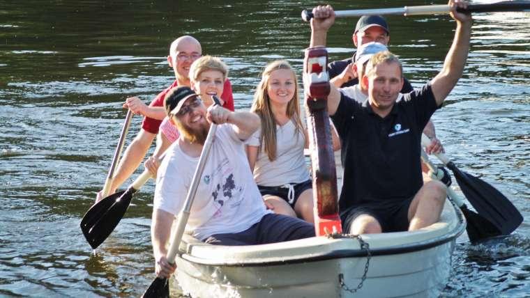 Wyścig w smoczych łodziach wzbudził duże emocje/fot. BK
